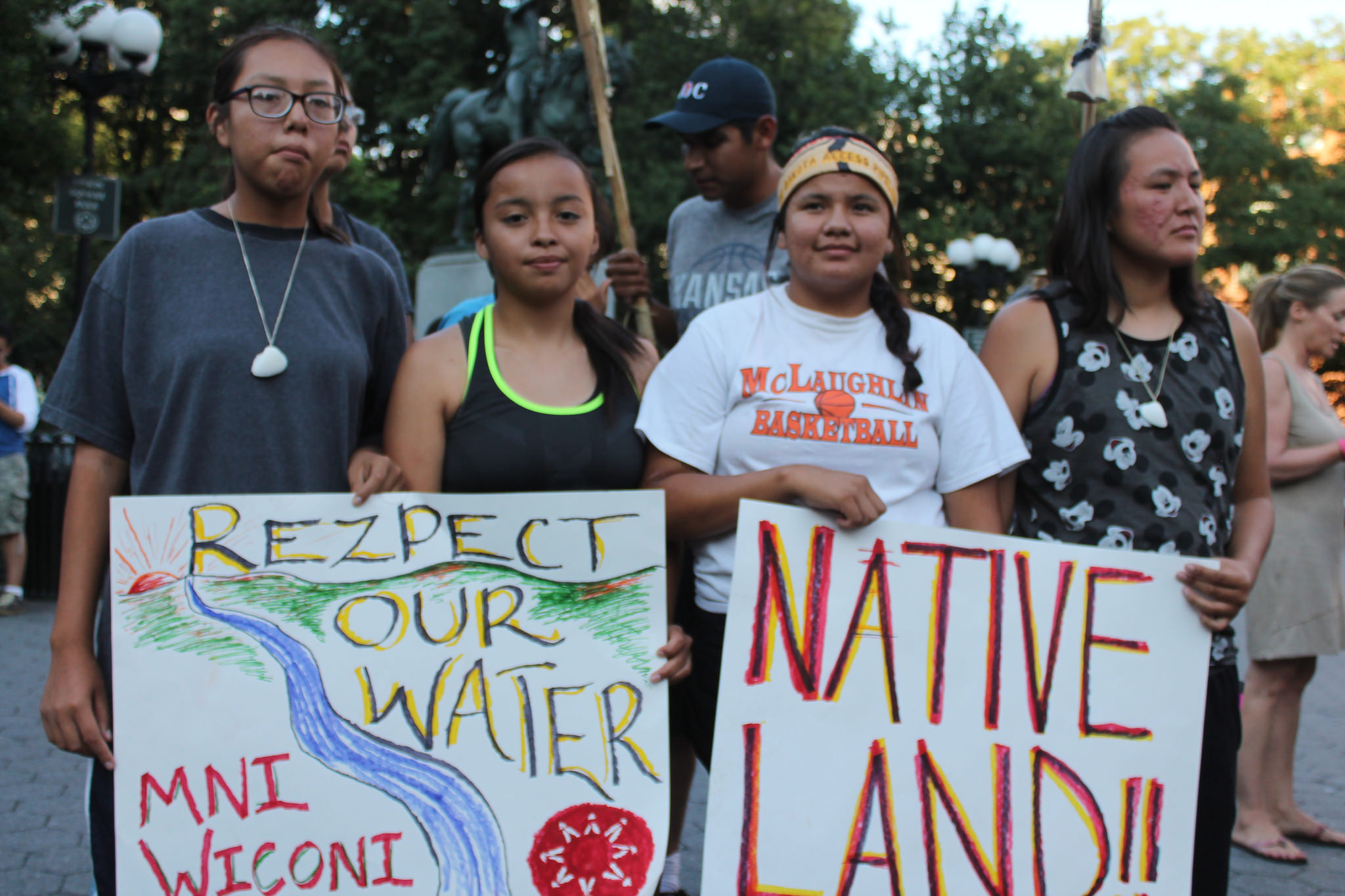 Members of the Sioux tribe protesting the Dakota Access Pipeline. (Photo Credit: Joe Catron)